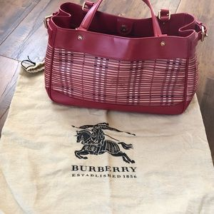 💯 authentic Burberry bag